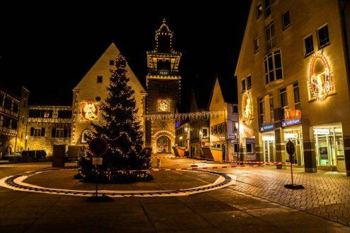 wihnachtlicher-marktplatz